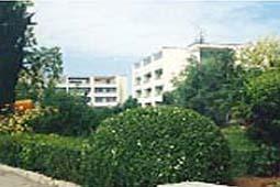 Пансионат волна-люкс расположен на юго-западе крыма в курортном поселке песчаное